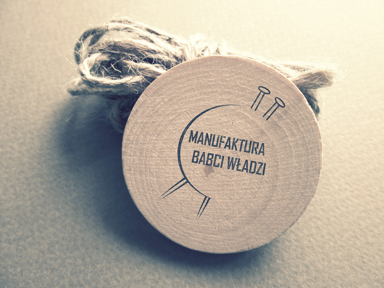 logo-design-manufacturebw-wood